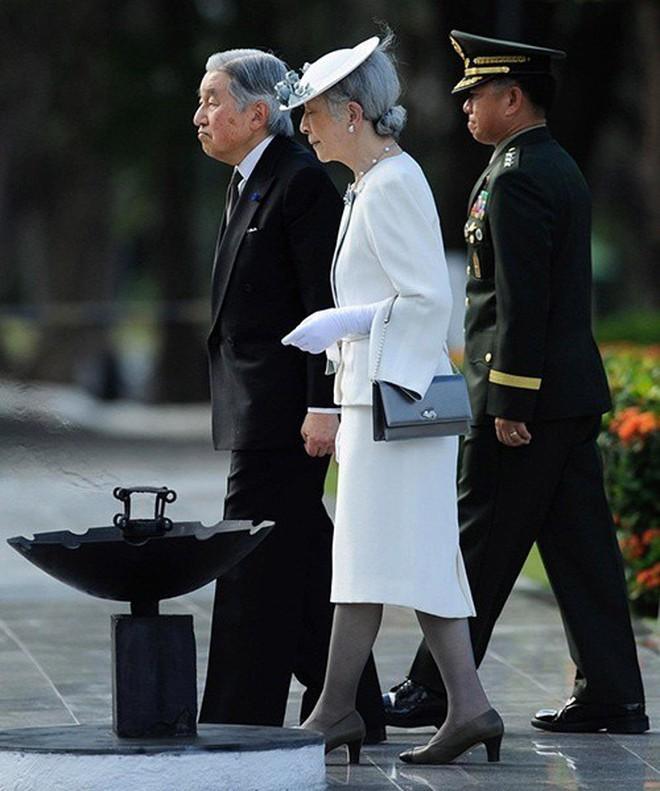 Gần 90 tuổi, cựu Hoàng hậu Nhật Bản vẫn khiến cả thế giới ngưỡng mộ trước gu thời trang nhã nhặn in đậm cốt cách tiểu thư - Ảnh 9.