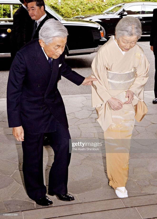Gần 90 tuổi, cựu Hoàng hậu Nhật Bản vẫn khiến cả thế giới ngưỡng mộ trước gu thời trang nhã nhặn in đậm cốt cách tiểu thư - Ảnh 11.