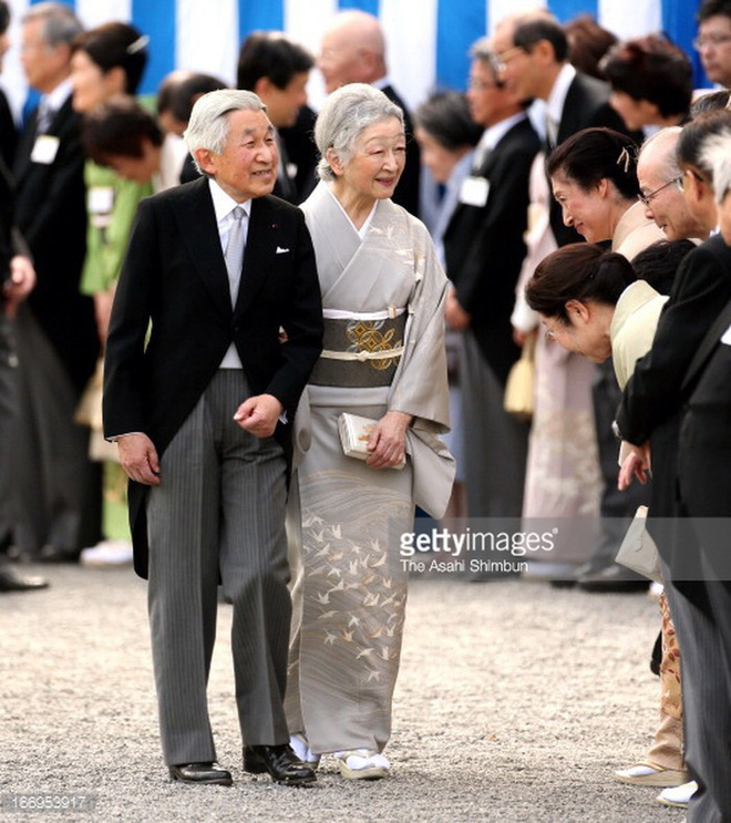 Gần 90 tuổi, cựu Hoàng hậu Nhật Bản vẫn khiến cả thế giới ngưỡng mộ trước gu thời trang nhã nhặn in đậm cốt cách tiểu thư - Ảnh 13.