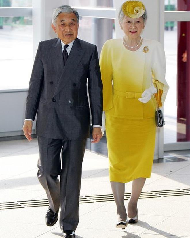 Gần 90 tuổi, cựu Hoàng hậu Nhật Bản vẫn khiến cả thế giới ngưỡng mộ trước gu thời trang nhã nhặn in đậm cốt cách tiểu thư - Ảnh 4.