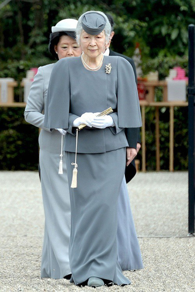Gần 90 tuổi, cựu Hoàng hậu Nhật Bản vẫn khiến cả thế giới ngưỡng mộ trước gu thời trang nhã nhặn in đậm cốt cách tiểu thư - Ảnh 3.