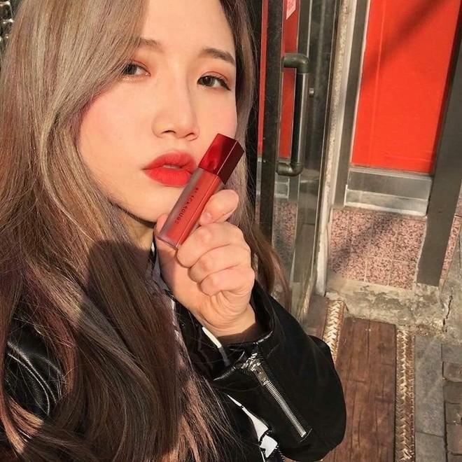 Giá dưới 250k nhưng chất son siêu ổn và toàn màu đẹp, đây là 5 cây son kem Hàn Quốc được con gái Việt tìm mua nhiều nhất lúc này - Ảnh 3.