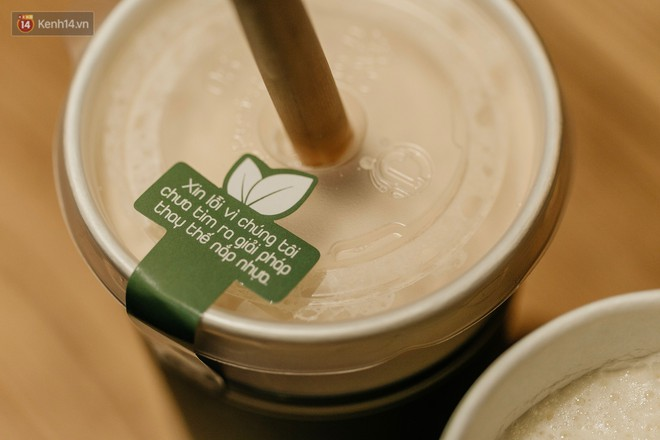 """Dùng cốc giấy đậy bằng nắp nhựa, quán trà Hà Nội để lại lời nhắn: """"Xin lỗi vì chúng tôi chưa tìm ra giải pháp..."""" - Ảnh 2."""