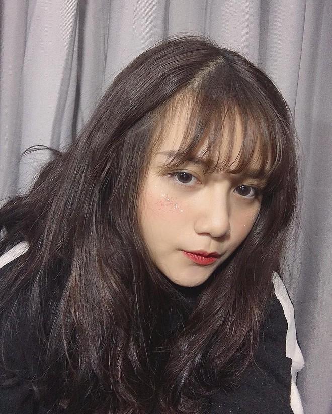 Nữ sinh 2002 diện đồng phục thôi cũng đủ nổi bật giữa sân trường, trả lời lý do đi học mà vẫn makeup kỹ lưỡng - Ảnh 5.