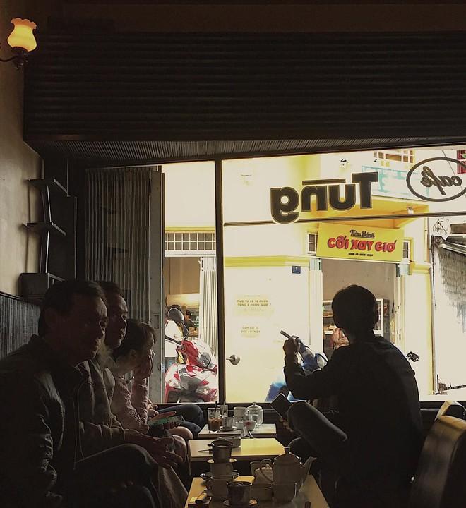 Cafe Tùng và những miền ký ức chưa kể về một hồn thơ Đà Lạt rất riêng, rất cũ giữa thời hiện đại! - Ảnh 6.