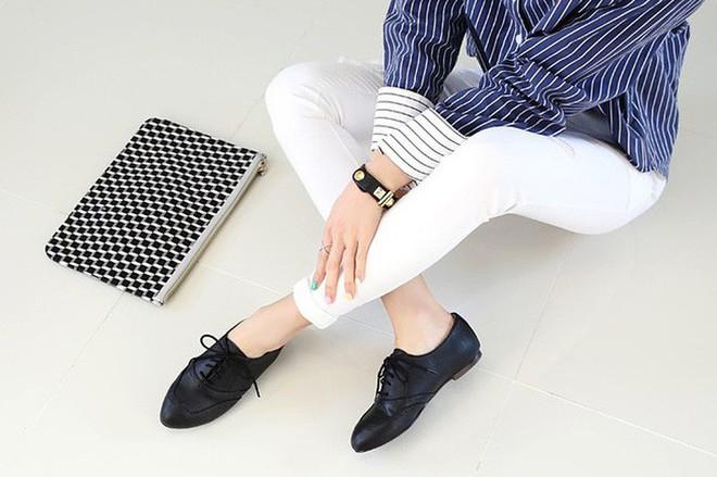 """3 mẫu giày công sở cá tính luôn được lòng các chị em nói không với style """"bánh bèo"""" - Ảnh 4."""