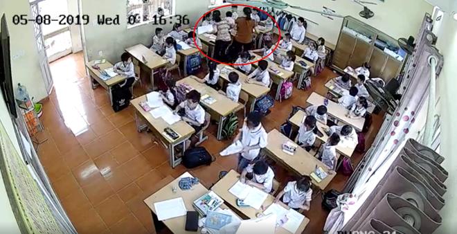 Mẹ nam sinh lớp 2 ở Hải Phòng đăng clip cô giáo tát tới tấp con mình, dùng thước vụt mạnh nhiều em khác - Ảnh 4.