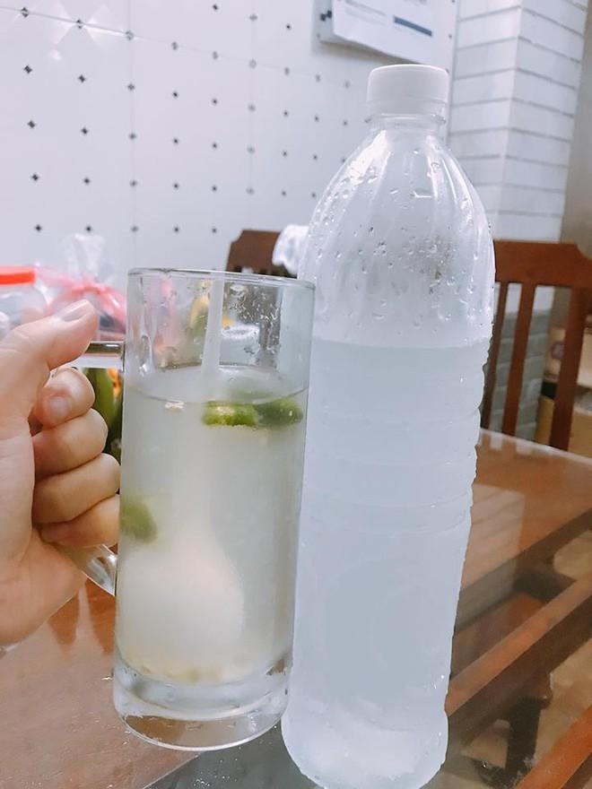 """Mùa hè ập đến Hà Nội rồi, nếu có bán các loại nước """"khổng lồ"""" thế này thì còn gì tuyệt vời bằng - Ảnh 3."""