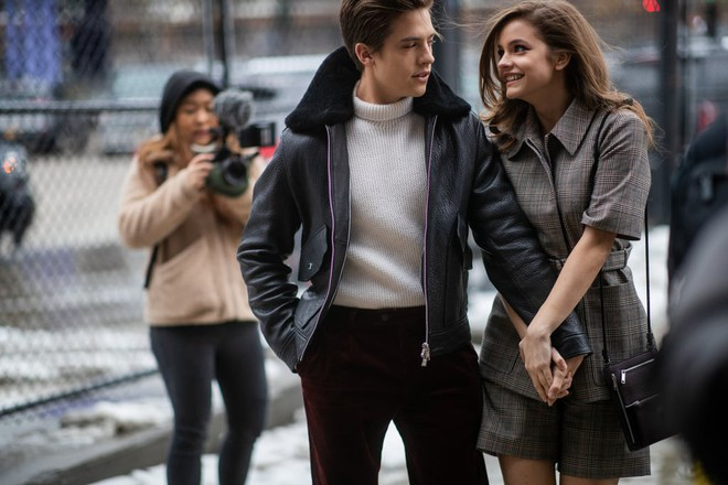 dylan-sprouse-barbara-palvin-cutest-pictures-15578978737611115255239.jpg