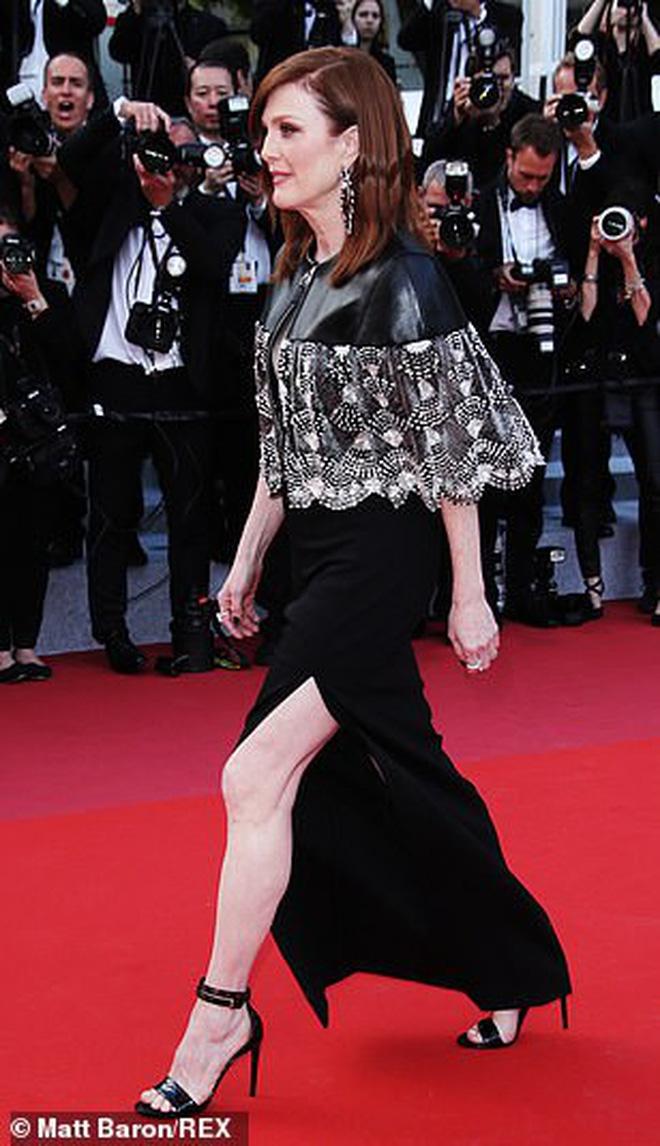 """Thảm đỏ Cannes ngày 2: Thiên thần Victoria's Secret suýt lộ hàng, """"Phạm Băng Băng Thái Lan"""" xinh như tiên tử - Ảnh 19."""