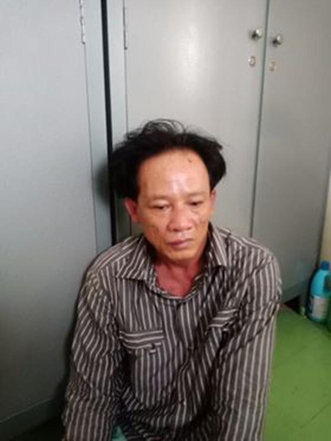 Triệt phá băng nhóm đối tượng chuyên dàn cảnh móc túi trên xe buýt ở Sài Gòn - Ảnh 2.