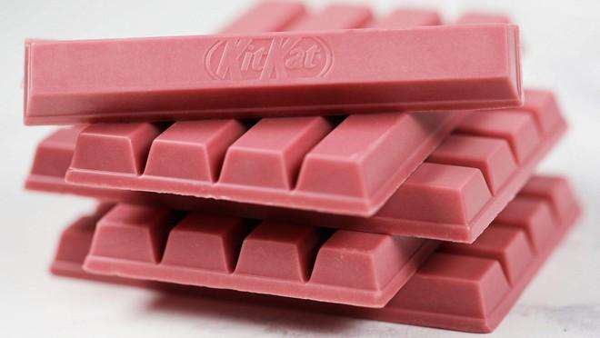 """Nhật Bản quả không hổ là """"thánh địa"""" Kit Kat, đến cả vị """"đá quý"""" như ruby hồng ngọc cũng có - Ảnh 1."""