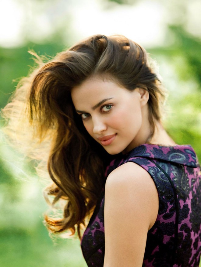 irina-shayk-at-photoshoot-for-cosmopolitan-china7-1558250322288305690615.jpg
