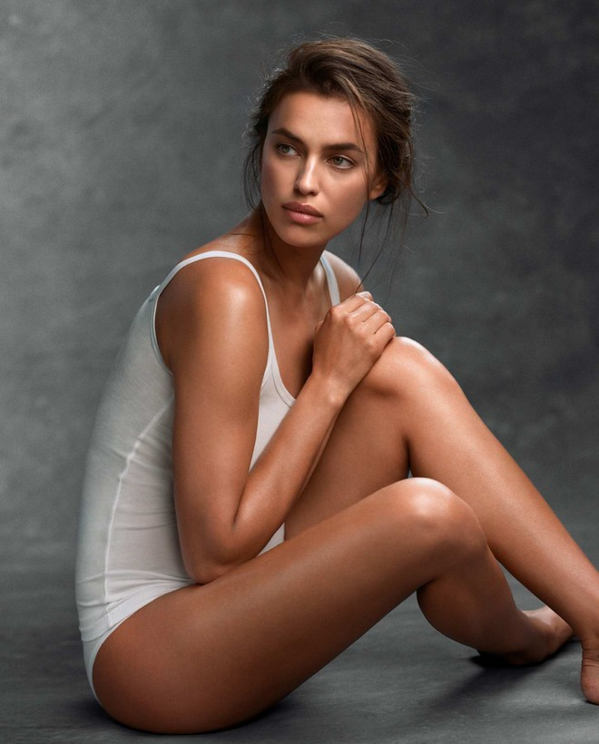 irina-shayk-in-a-photoshoot-for-intimissimi-collection-20172-15582503223161031883371.jpg