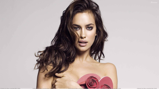 irina-shayk-looking-front-sexy-photoshoot-1558250322274204121858.jpg