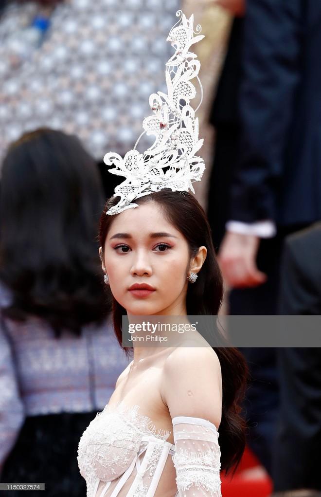 Thêm mỹ nhân Việt xuất hiện tại Cannes: Ăn mặc diêm dúa, cố tình chơi trội, hoá ra là người quen của Ngọc Trinh - Ảnh 1.