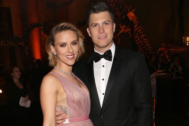 Không phải Captain Chris Evans như fan vẫn ship, Scarlett Johansson bất ngờ đính hôn với trai đẹp kém 3 tuổi - Ảnh 1.