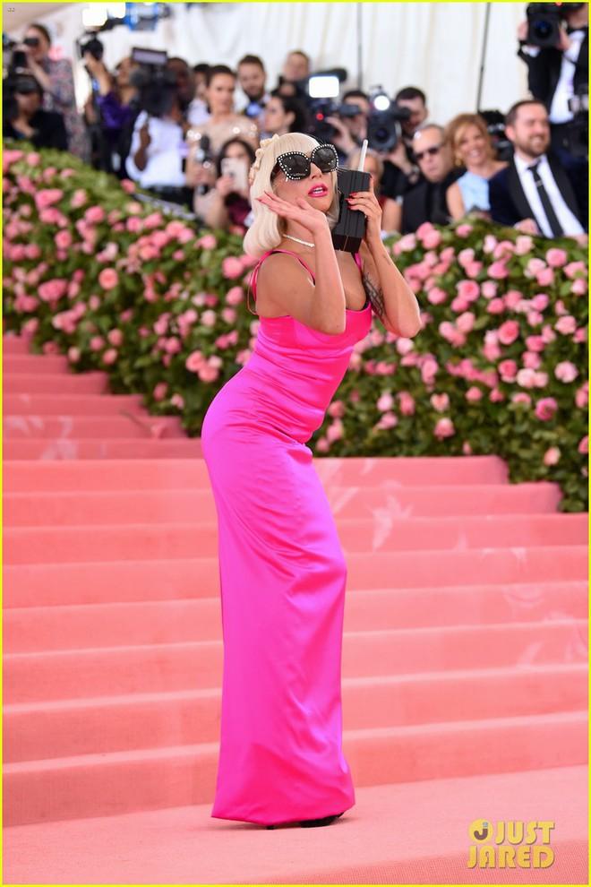 """Vén màn mặt tối đằng sau Cannes danh giá: """"Ngày hội tiền lương"""" của gái mại dâm và cơ hội vàng cho những kẻ vô danh đổi đời - Ảnh 10."""
