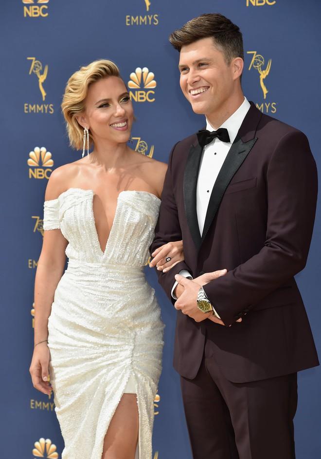 Không phải Captain Chris Evans như fan vẫn ship, Scarlett Johansson bất ngờ đính hôn với trai đẹp kém 3 tuổi - Ảnh 3.