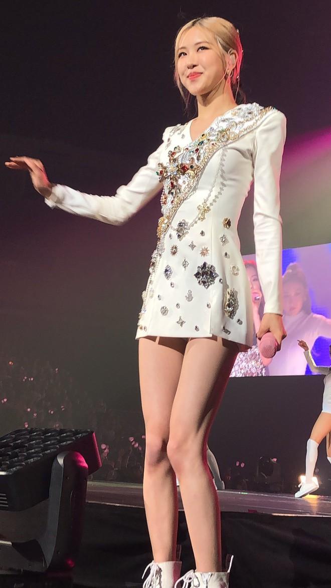 Rosé (BLACKPINK) qua camera thường của fan: Có xứng danh nữ thần hay thánh body của Kpop như lời đồn? - Ảnh 8.