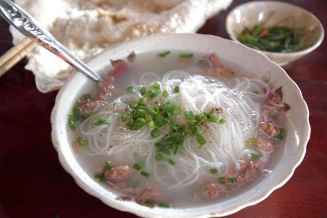 Mỗi miền tổ quốc Việt Nam đều có một vài món bún nức tiếng, dành cả thanh xuân chắc cũng chưa ăn được hết - Ảnh 4.