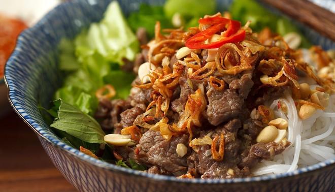 Mỗi miền tổ quốc Việt Nam đều có một vài món bún nức tiếng, dành cả thanh xuân chắc cũng chưa ăn được hết - Ảnh 5.
