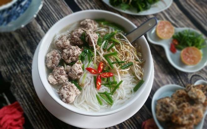 Mỗi miền tổ quốc Việt Nam đều có một vài món bún nức tiếng, dành cả thanh xuân chắc cũng chưa ăn được hết - Ảnh 2.