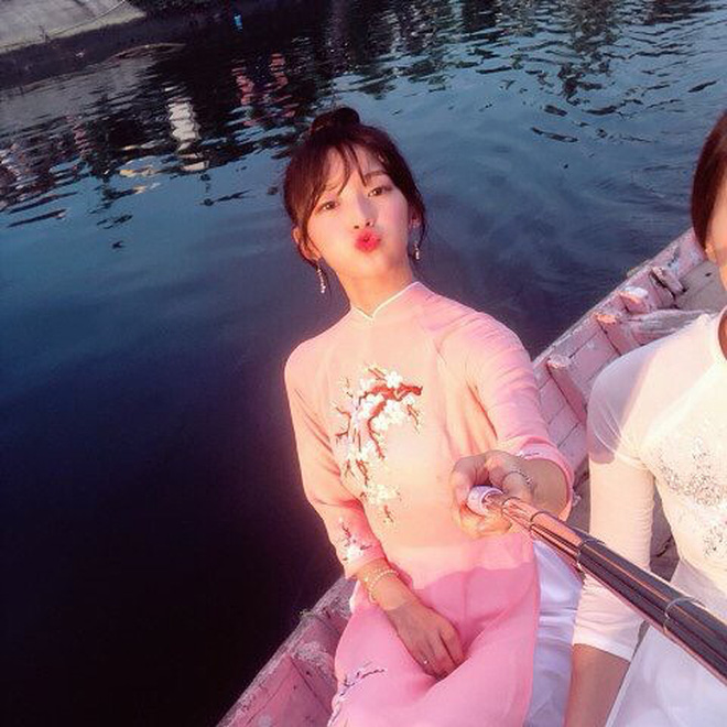 """Mách ngay """"tất tần tật"""" địa điểm mà loạt sao Hàn đã ghé khi đến Đà Nẵng nếu các fan muốn có """"cheap moment"""" với Idol - Ảnh 18."""