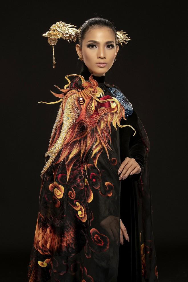 Hơn đứt những bộ táo bạo tầm thường, áo dài mà Trương Thị May mặc đi Cannes mới thực sự là tinh hoa - Ảnh 4.