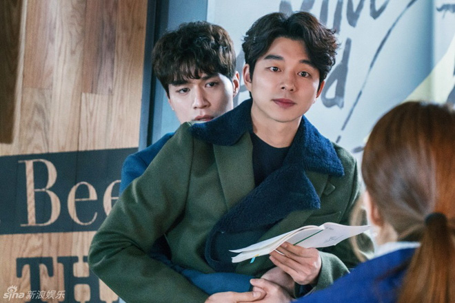 Trai đẹp Lee Dong Wook ủng hộ Gong Yoo nguyên xe cafe: Khỏi cần fan chèo thuyền, hai anh đây tự đẩy! - Ảnh 12.