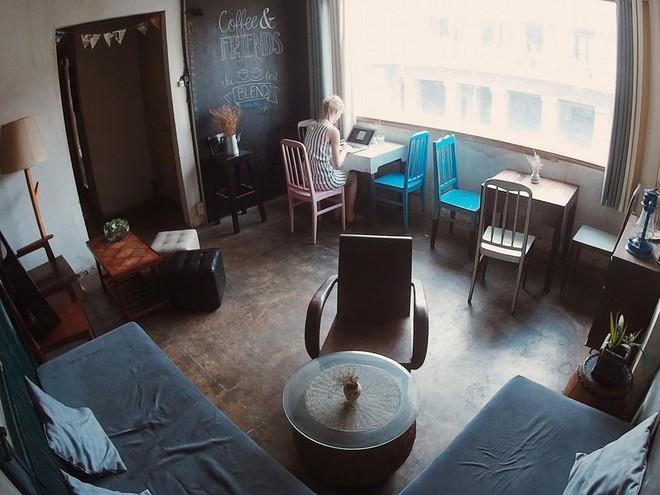 """Sài Gòn cuối tuần có mấy quán cà phê """"chill"""" phết: chốn về bình yên cho những tâm hồn mệt nhoài - Ảnh 6."""