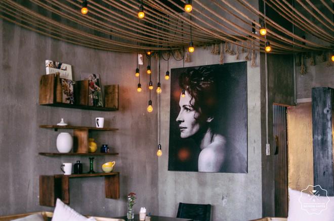 """Sài Gòn cuối tuần có mấy quán cà phê """"chill"""" phết: chốn về bình yên cho những tâm hồn mệt nhoài - Ảnh 2."""