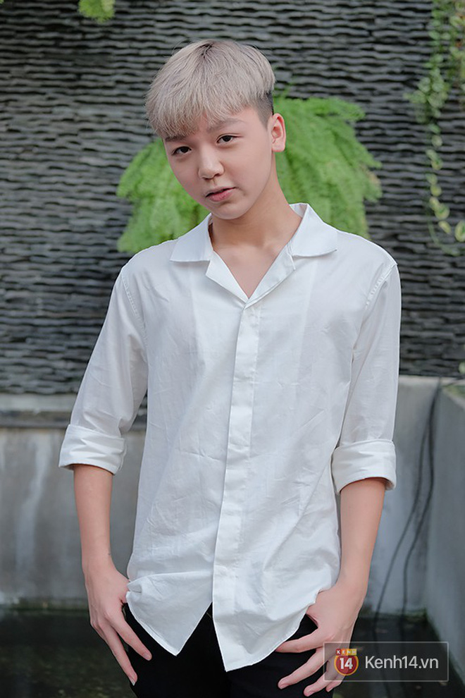 Bạn thân Linh Ka - Long Bi khiến dân tình xôn xao với chiếc cằm nhọn hoắt, make-up cực giống Soobin Hoàng Sơn - Ảnh 5.