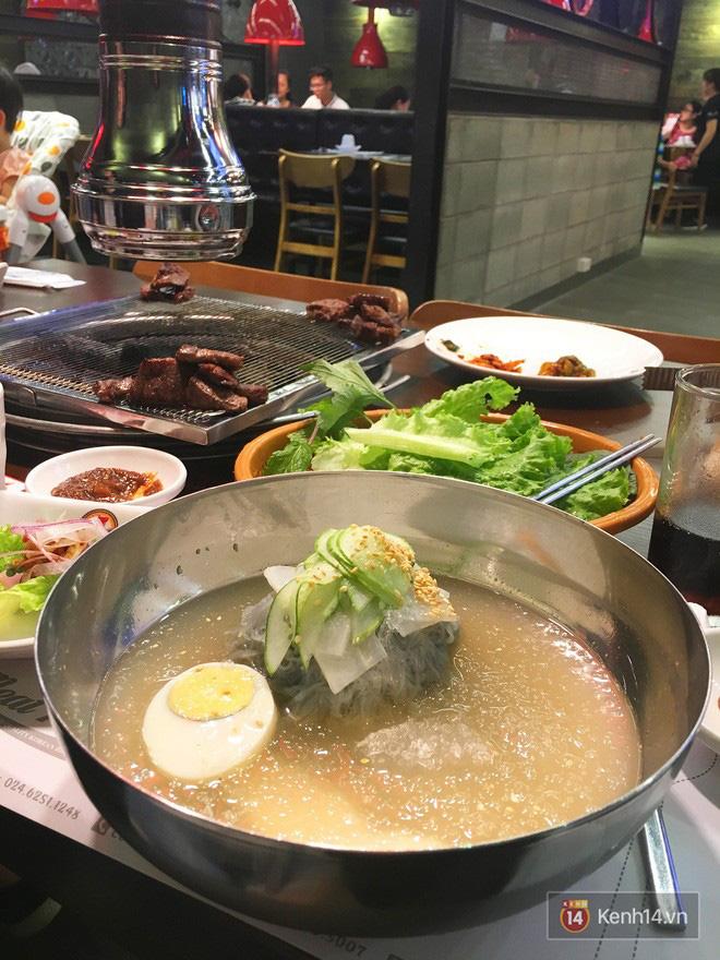 Món ăn quen thuộc của Hàn Quốc bỗng trở thành thứ giải nhiệt tuyệt vời cho mùa hè Hà Nội - Ảnh 2.