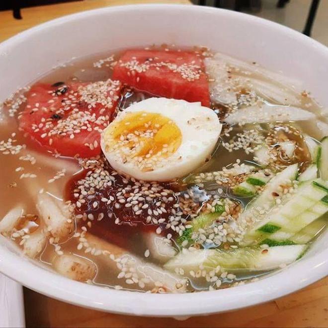 Món ăn quen thuộc của Hàn Quốc bỗng trở thành thứ giải nhiệt tuyệt vời cho mùa hè Hà Nội - Ảnh 11.