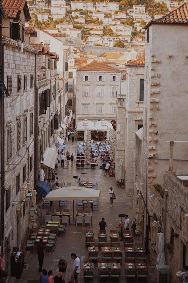 Lưu ngay loạt bí kíp du lịch đến Dubrovnik - bối cảnh chính trong bộ phim bom tấn Game of Thrones - Ảnh 4.