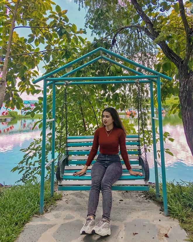 """""""Hot hòn họt"""" công viên Suối Mơ ngay sát Sài Gòn: Lên hình có vẻ ảo đấy nhưng ngoài đời có phải hơi sến không? - Ảnh 2."""