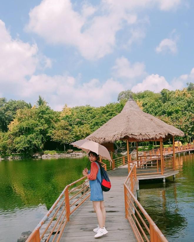 Hot hòn họt công viên Suối Mơ ngay sát Sài Gòn: Lên hình có vẻ ảo đấy nhưng ngoài đời có phải hơi sến không? - Ảnh 10.