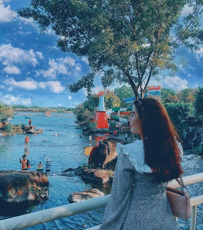 Hot hòn họt công viên Suối Mơ ngay sát Sài Gòn: Lên hình có vẻ ảo đấy nhưng ngoài đời có phải hơi sến không? - Ảnh 12.
