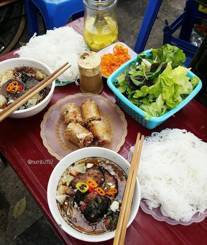 Chuyên trang du lịch uy tín quốc tế nhận định có tận... 11 món ăn Việt Nam ngon không kém gì phở trong mắt du khách nước ngoài - Ảnh 7.