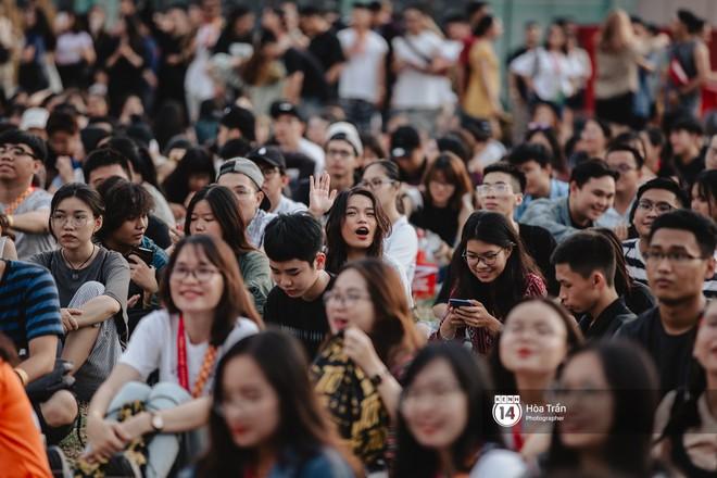 Giới trẻ Sài Gòn cùng loạt nghệ sĩ đình đám như Vũ, Đen Vâu, Suboi hoà mình vào bữa tiệc âm nhạc hoành tráng tại Thơm Music Festival - Ảnh 14.
