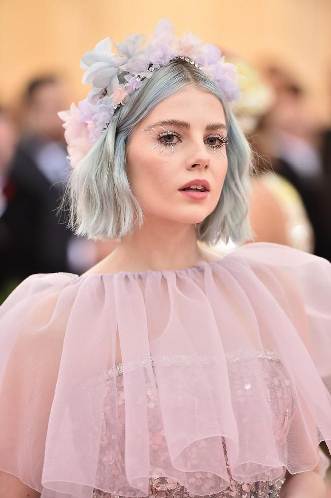 Nào chỉ có váy áo làm màu, Met Gala 2019 còn ngập tràn những khoảnh khắc beauty đẹp đến mộng mị - Ảnh 9.