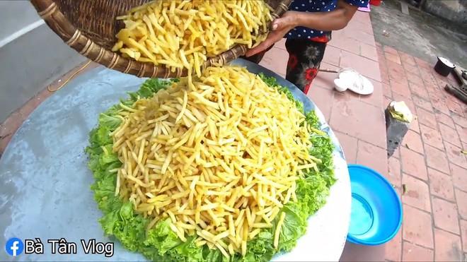 Bà Tân lại làm siêu to khổng lồ, lần này là gợi ý món ăn trời mưa - món mà ai cũng từng ăn ít nhất 1 lần trong đời - Ảnh 7.
