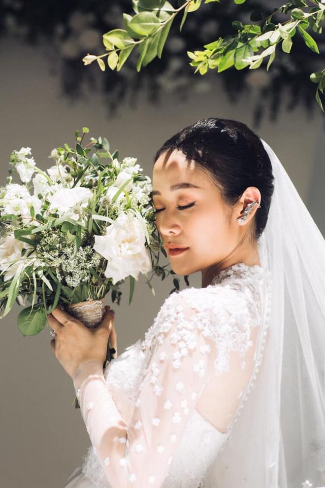 62226925101586925931136445092120209754423296o 15602230882991409795843 - MC Phí Linh khoe ảnh cưới sao Việt đồng loạt vào chúc mừng