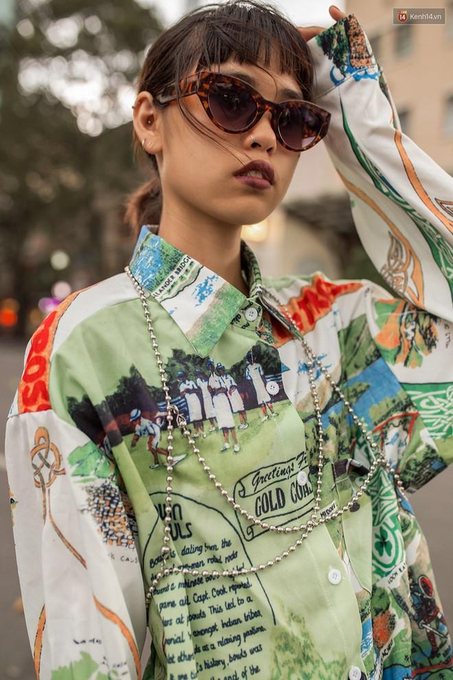 Street style giới trẻ Việt tuần qua: chẳng ưu tiên đồ mát mẻ, các bạn trẻ bất chấp mặc ngốt miễn sao có hình OOTD thật chất - Ảnh 10.
