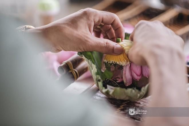 Từng được hãng tin AFP của Pháp giới thiệu, nghệ thuật ướp trà sen hồ Tây có gì mà khiến người ta chú ý đến vậy? - Ảnh 3.