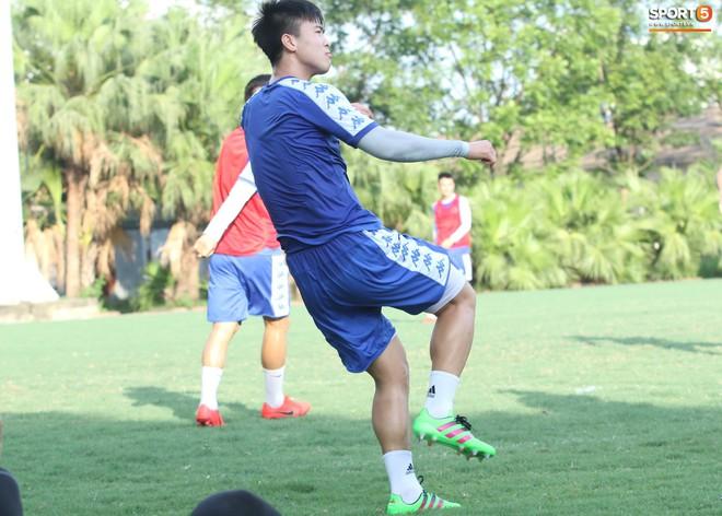 Đúng là Mạnh gắt: Chỉ tập luyện thôi cũng đấm Thành Chung không trượt phát nào - Ảnh 2.