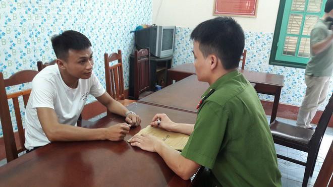 9 hot girl cùng 15 nam thanh niên vào quán karaoke ở Hưng Yên để tụ tập chơi ma túy - Ảnh 2.