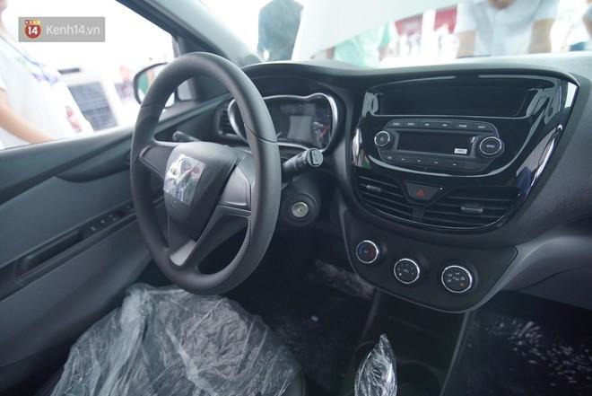 VinFast bàn giao hàng trăm xe ô tô Fadil, khách hàng tự hào: Người Việt dùng hàng Việt! - Ảnh 6.