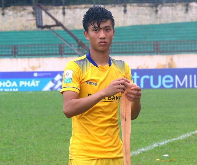 Covid-19 rất đáng ghét nhưng nhờ dịch bệnh, bóng đá Việt Nam có thời gian xoá bỏ cạm bẫy trên sân cỏ - ảnh 2